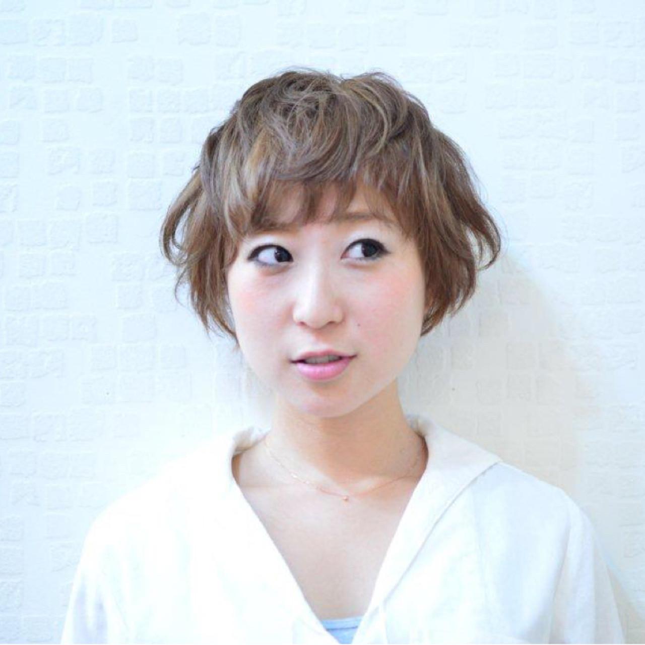 ショート 似合わせ フェミニン ナチュラル ヘアスタイルや髪型の写真・画像 | Akane Ueda / Chillin Room