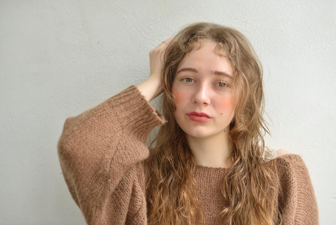 ロング アンニュイほつれヘア 表参道 ガーリー ヘアスタイルや髪型の写真・画像