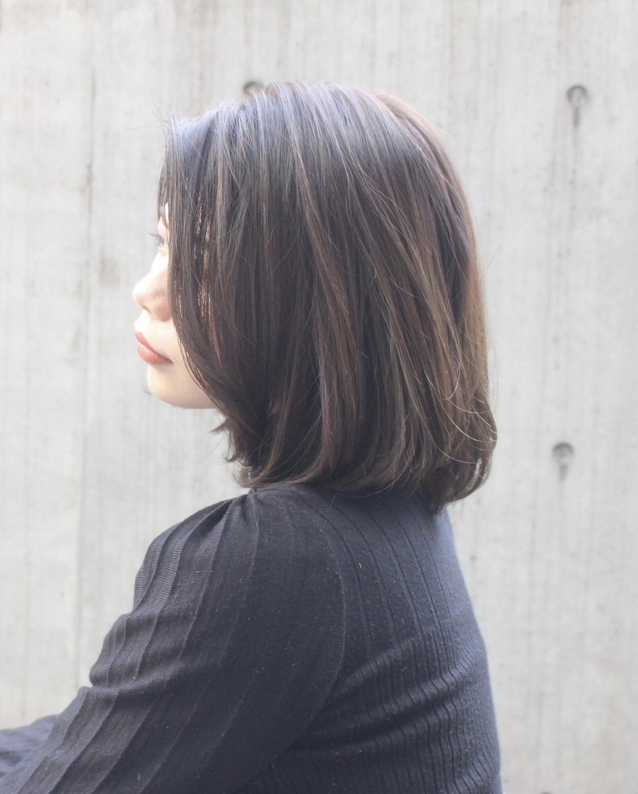 ベージュ ナチュラル 大人可愛い 艶カラー ヘアスタイルや髪型の写真・画像