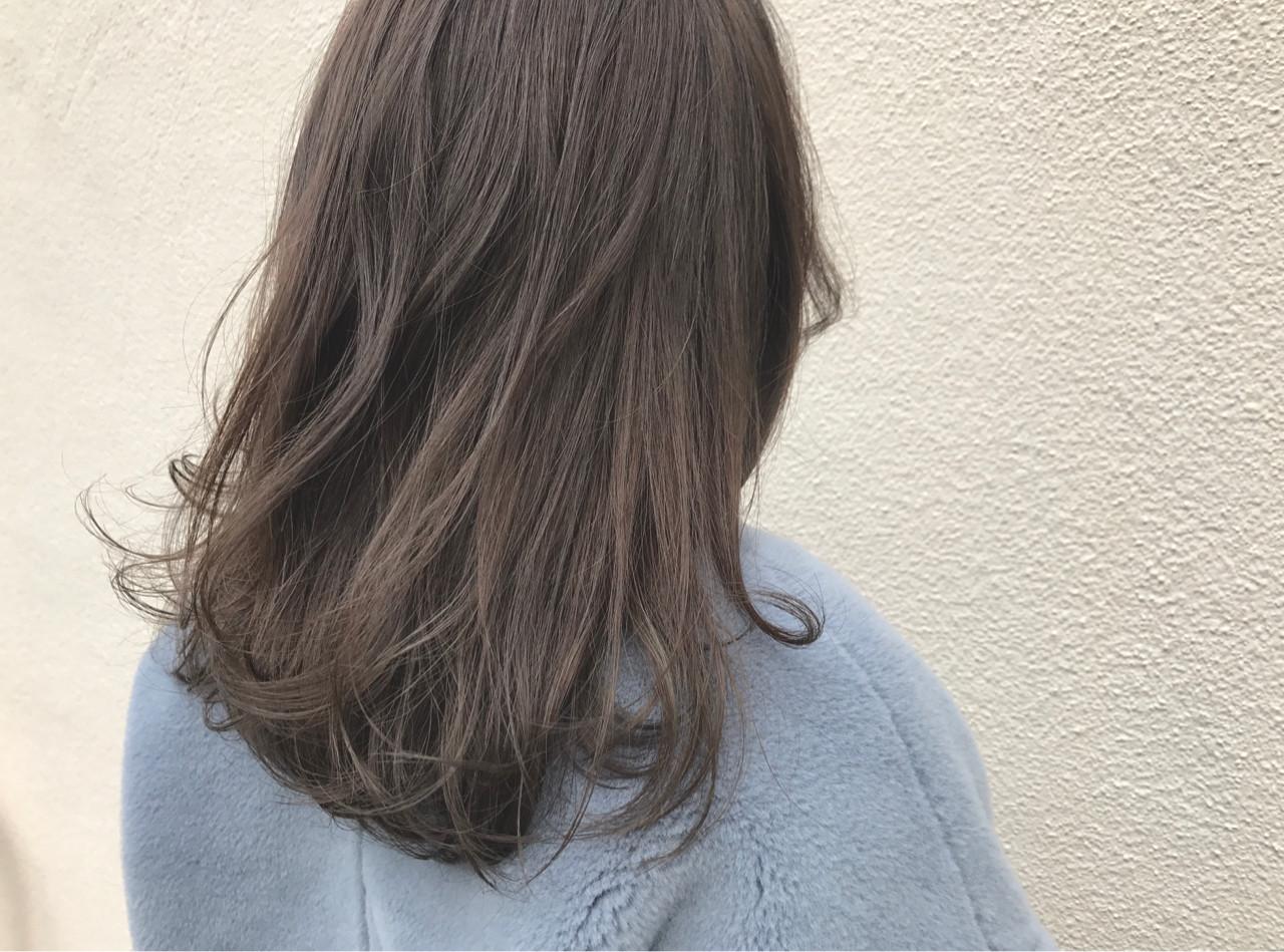 外国人風 ナチュラル グレージュ セミロング ヘアスタイルや髪型の写真・画像   SHUN / NOE SALON