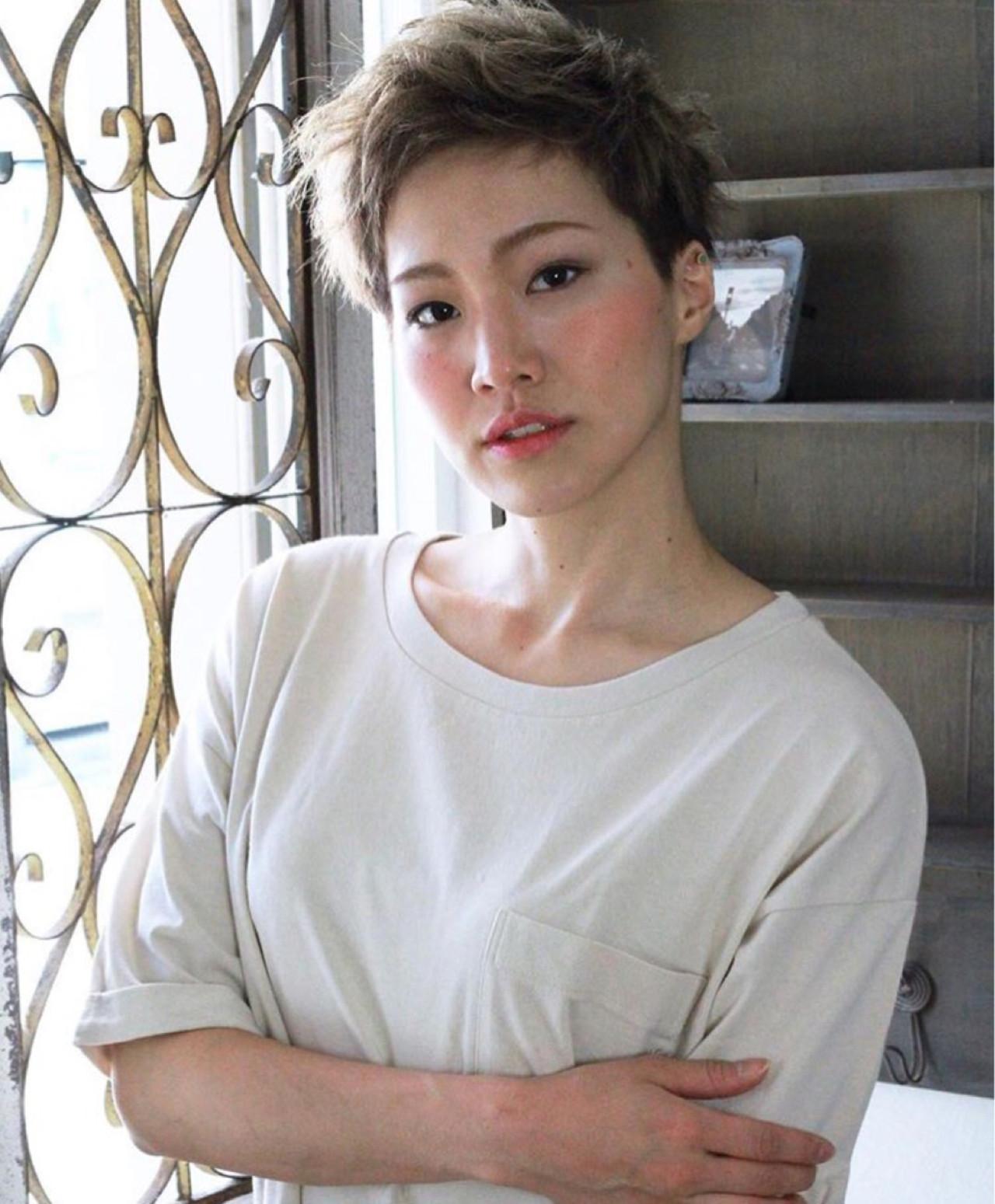 坊主 アッシュ ショート 刈り上げ ヘアスタイルや髪型の写真・画像 | KAHO YANAGIHARA /