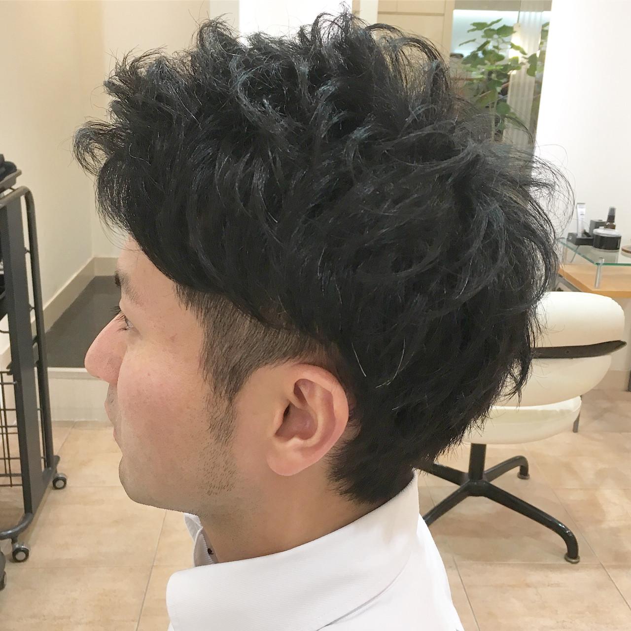 ナチュラル 刈り上げ アップバング メンズ ヘアスタイルや髪型の写真・画像