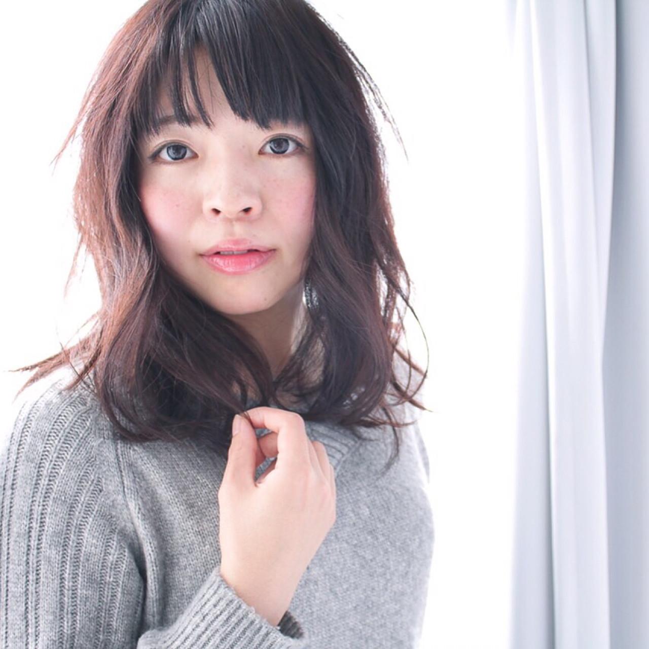 セミロング 大人かわいい フェミニン ナチュラル ヘアスタイルや髪型の写真・画像 | 徳田勝義 / ku-to南浦和