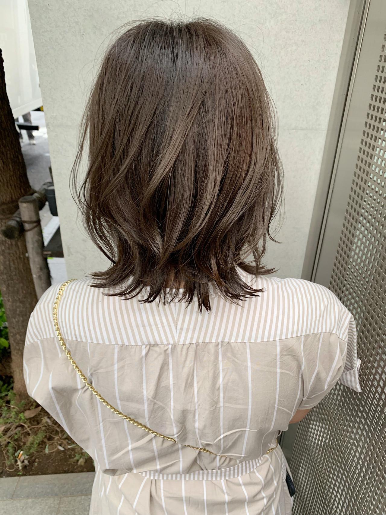 グレージュ フェミニン アンニュイほつれヘア ウルフカット ヘアスタイルや髪型の写真・画像