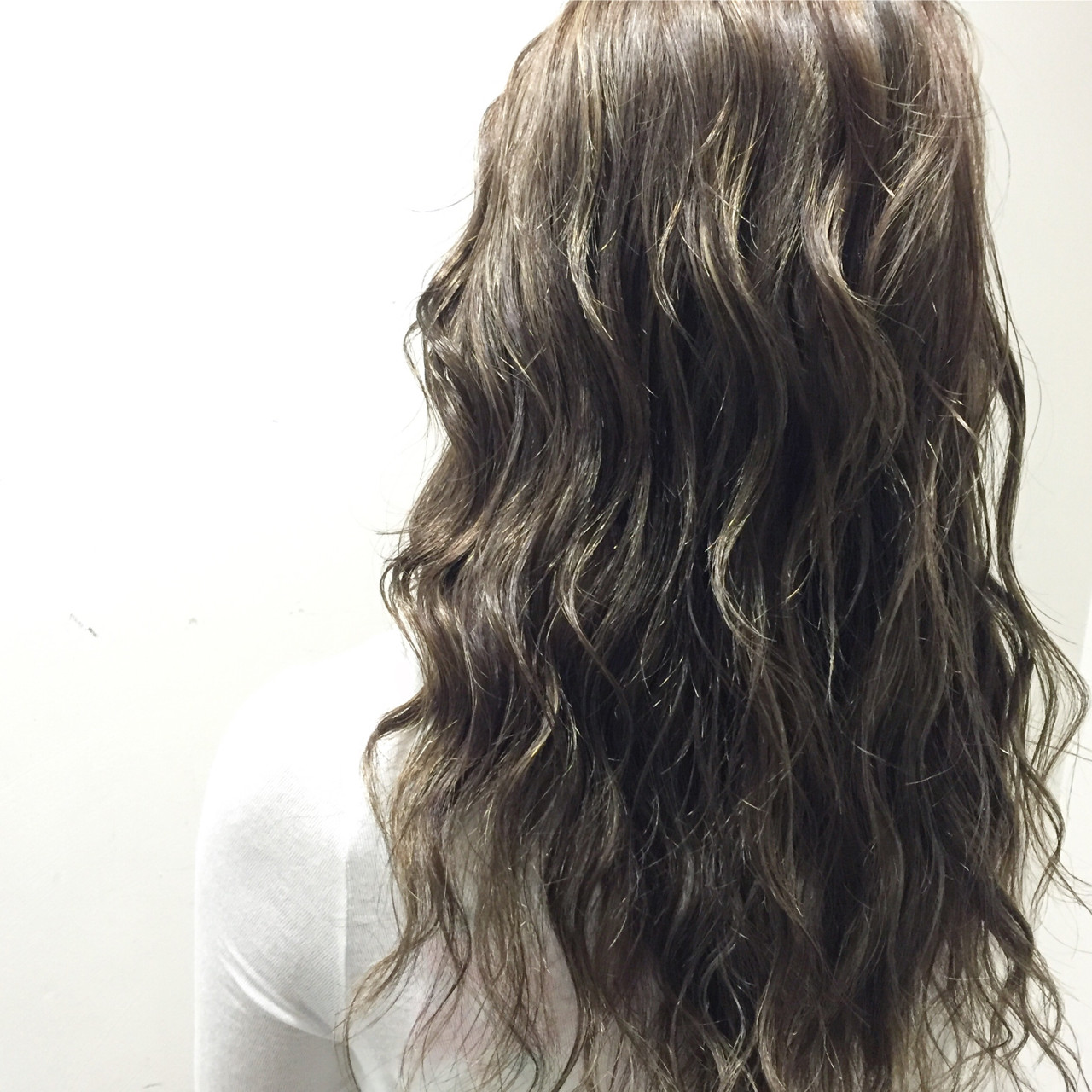 グラデーションカラー ハイライト セミロング 外国人風 ヘアスタイルや髪型の写真・画像