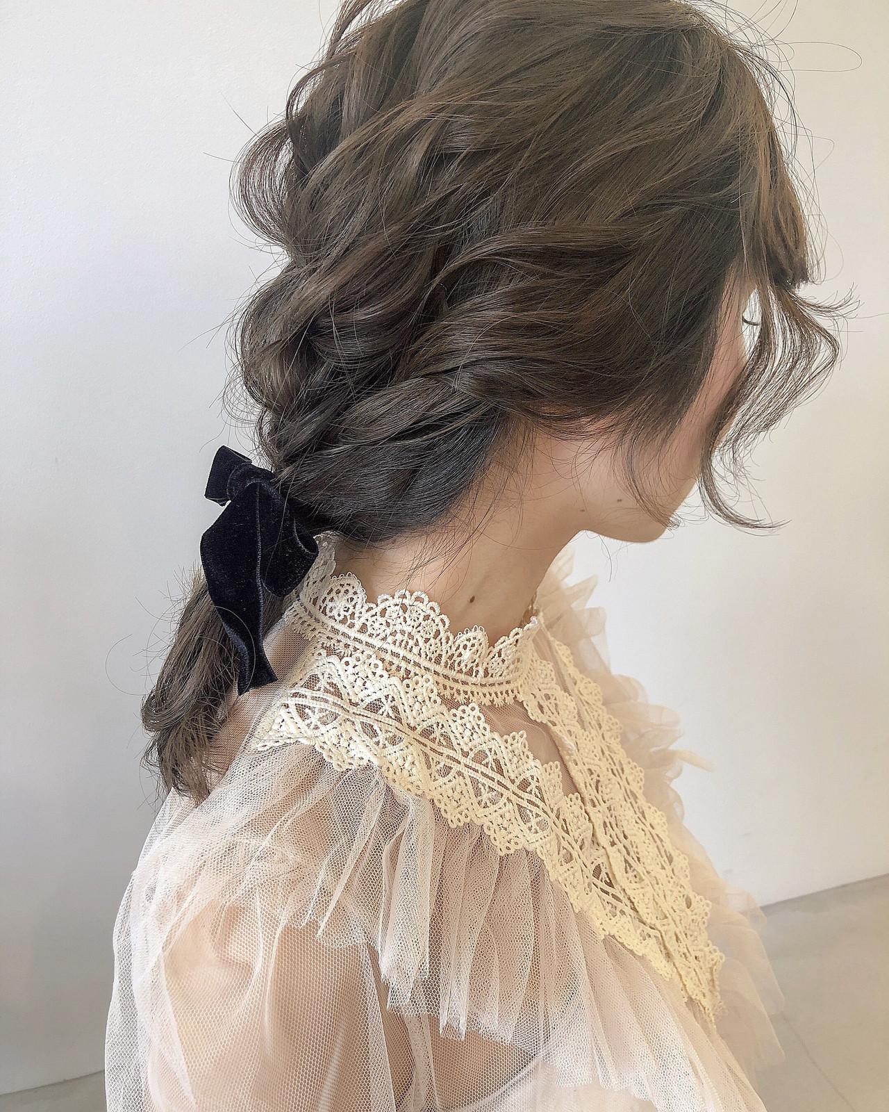 ミディアム ヘアアレンジ ベージュ 編みおろし ヘアスタイルや髪型の写真・画像