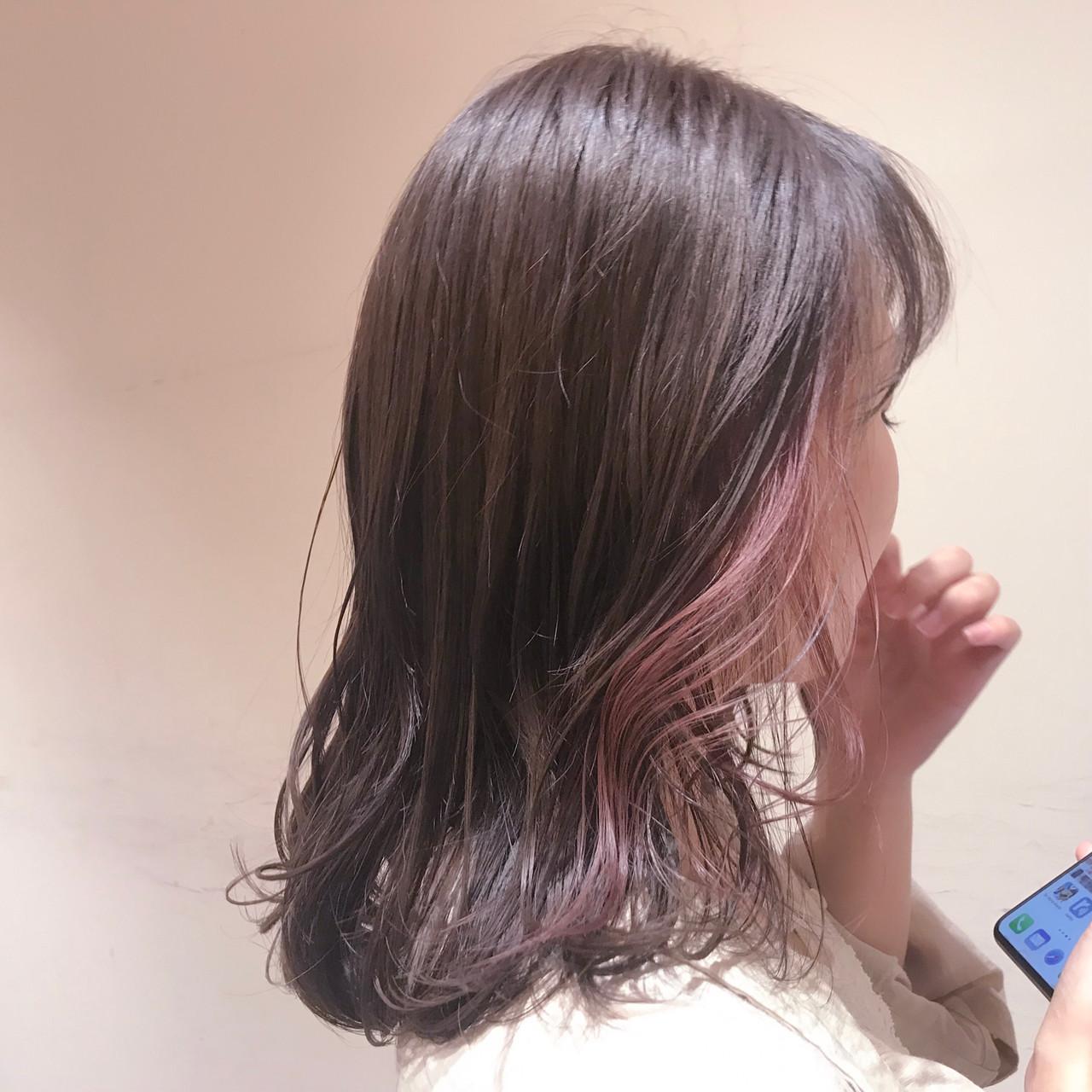 ラベンダーピンク 透明感カラー セミロング ナチュラル ヘアスタイルや髪型の写真・画像