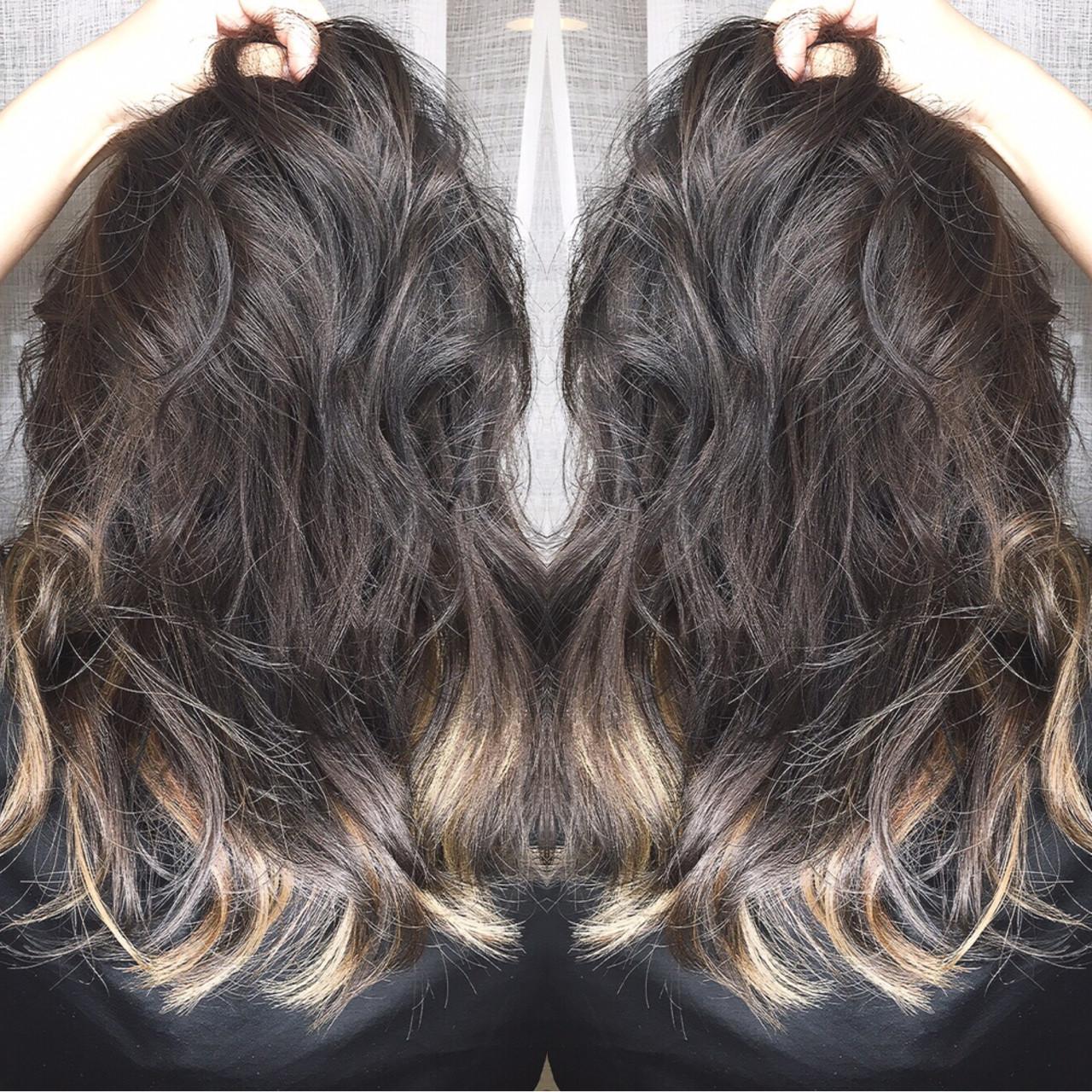 セミロング アッシュ 外国人風 インナーカラー ヘアスタイルや髪型の写真・画像