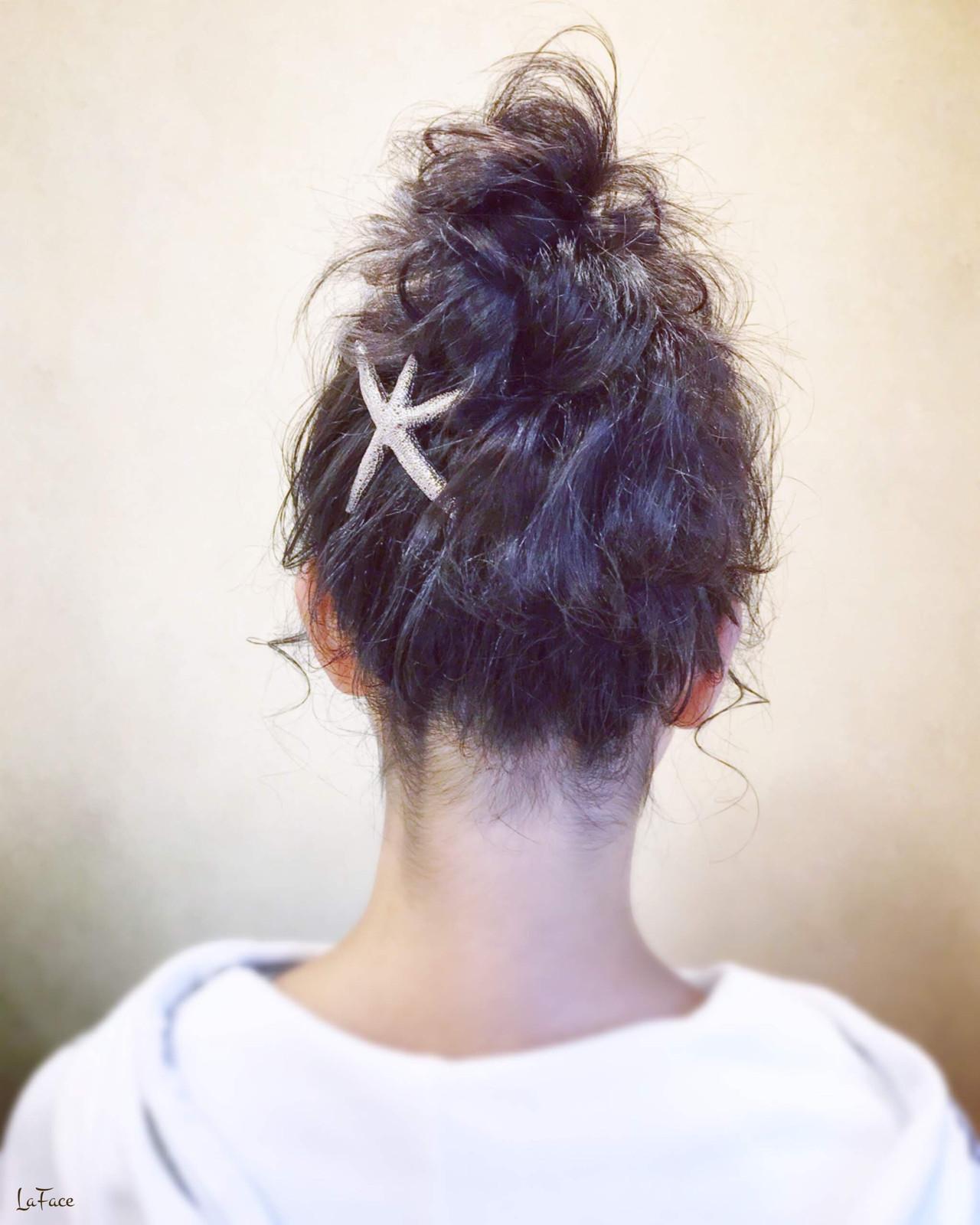 お団子 ナチュラル セミロング 黒髪 ヘアスタイルや髪型の写真・画像   青柳 哲郎 / ラフェイス / LaFace / ラフェイス