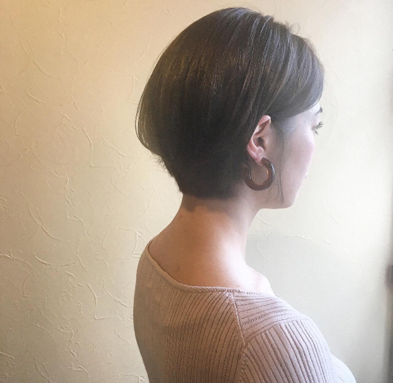 ショートヘア 大人かわいい ワンカールスタイリング フェミニン ヘアスタイルや髪型の写真・画像