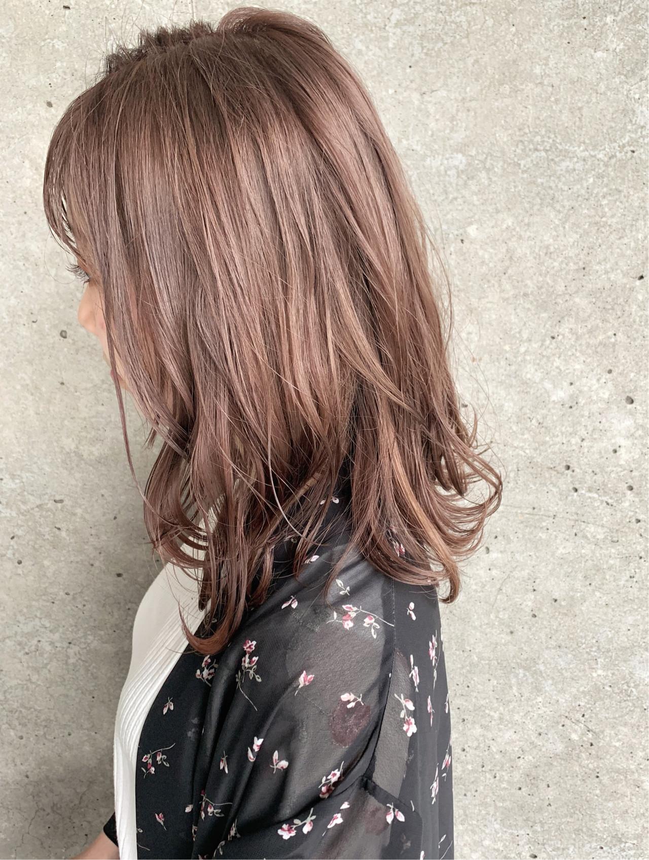 ナチュラル 透明感カラー ブリーチ必須 セミロング ヘアスタイルや髪型の写真・画像