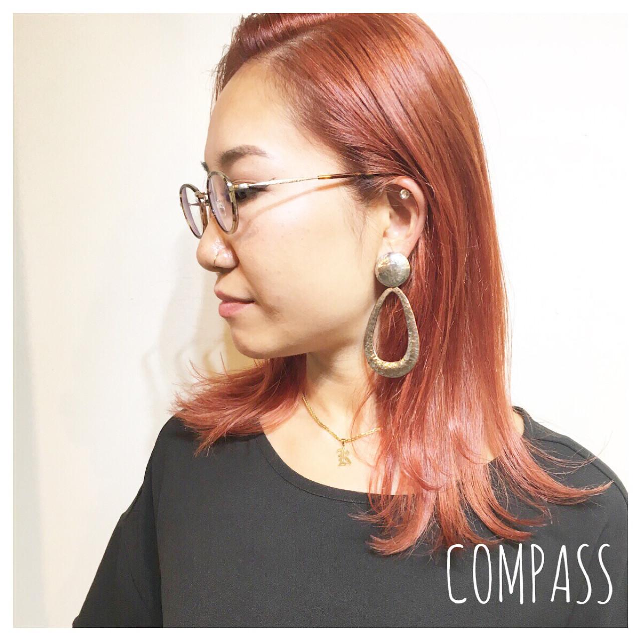 アンニュイ リラックス アプリコットオレンジ セミロング ヘアスタイルや髪型の写真・画像