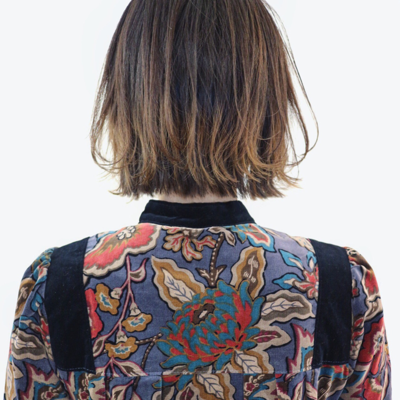 外ハネ バレイヤージュ インナーカラー グラデーションカラー ヘアスタイルや髪型の写真・画像