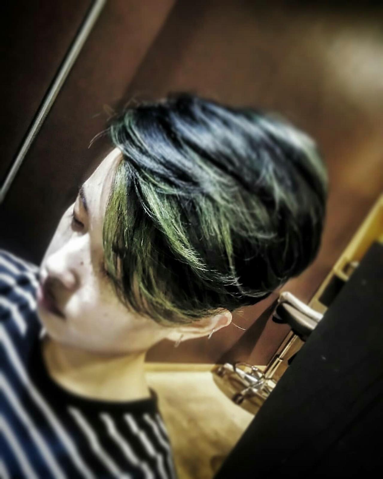 ショート モード ブリーチ ツーブロック ヘアスタイルや髪型の写真・画像   カマイリョウスケ / 極東undergroundparade