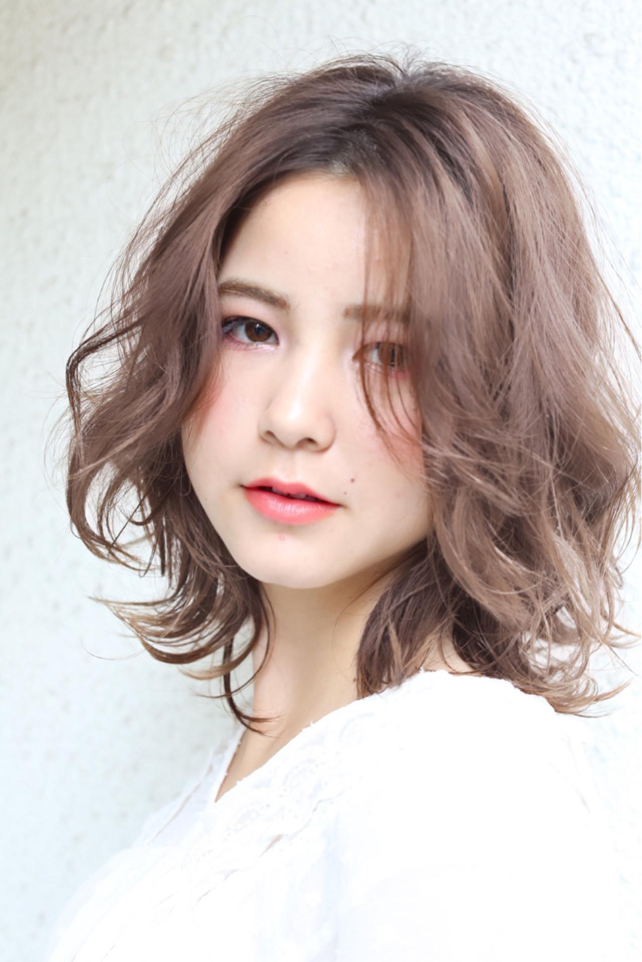 パーティ ミディアム 簡単 フェミニン ヘアスタイルや髪型の写真・画像 | 渡部幸也 / ELLA