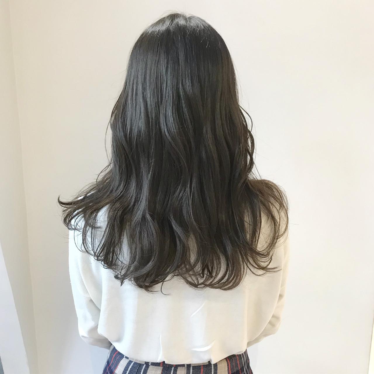 ナチュラル 暗髪 ブルーアッシュ ロング ヘアスタイルや髪型の写真・画像