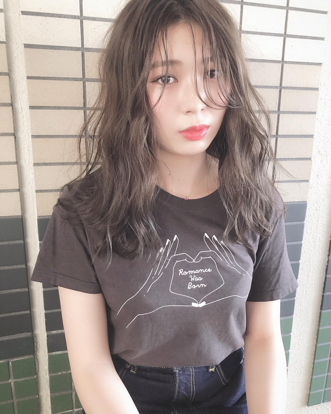 バレイヤージュ 外国人風フェミニン ナチュラル 3Dハイライト ヘアスタイルや髪型の写真・画像