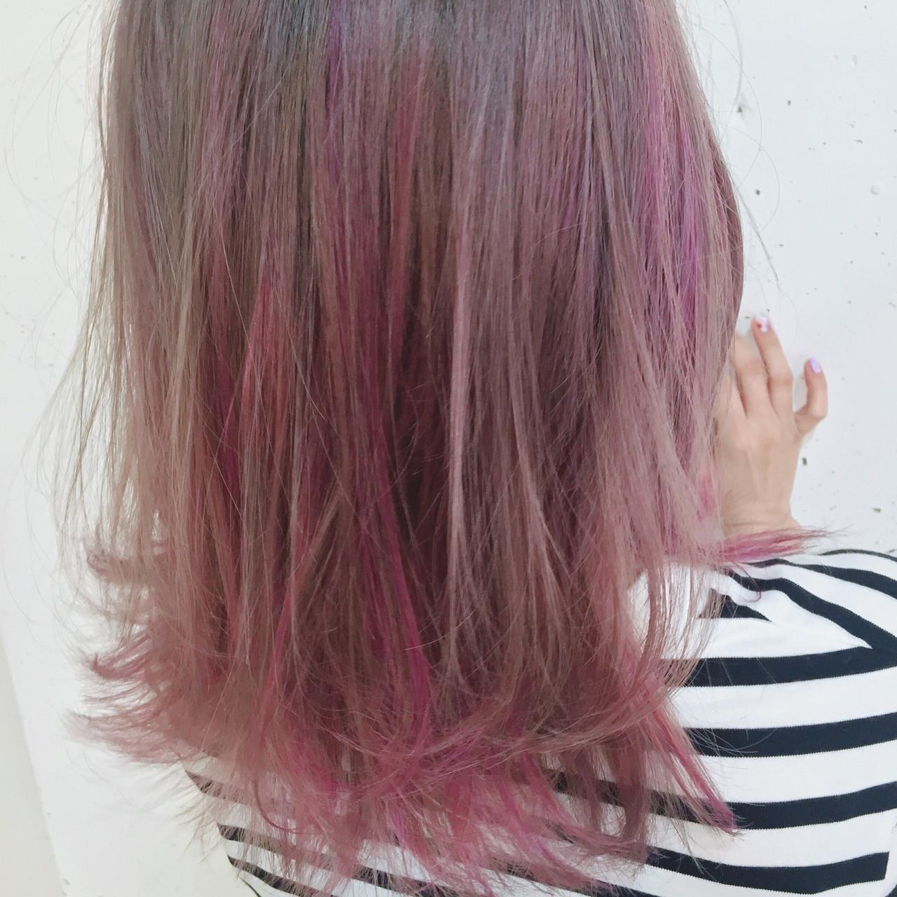 ピンク ハイライト ストリート ダブルカラー ヘアスタイルや髪型の写真・画像