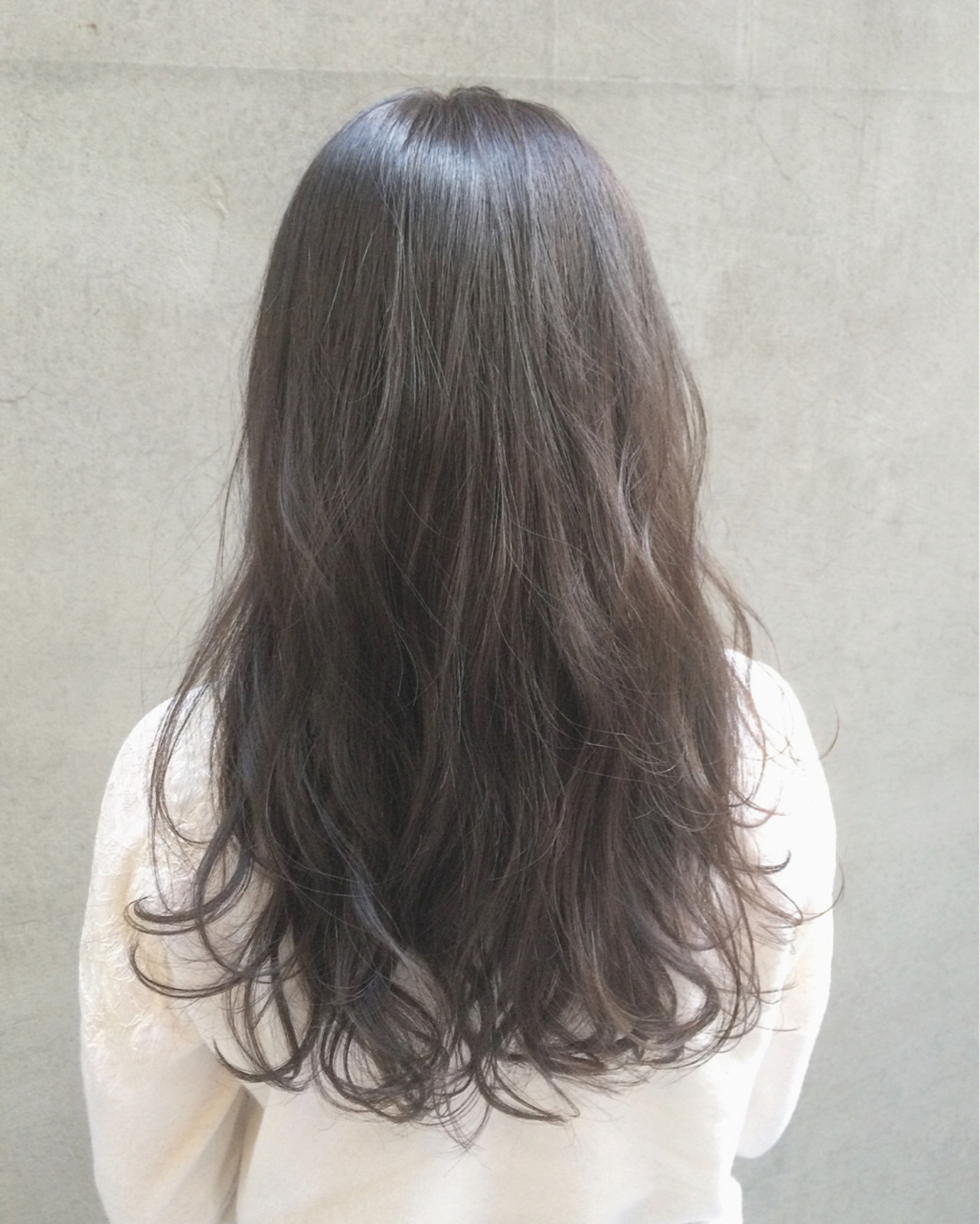 大人かわいい ロング 暗髪 外国人風 ヘアスタイルや髪型の写真・画像