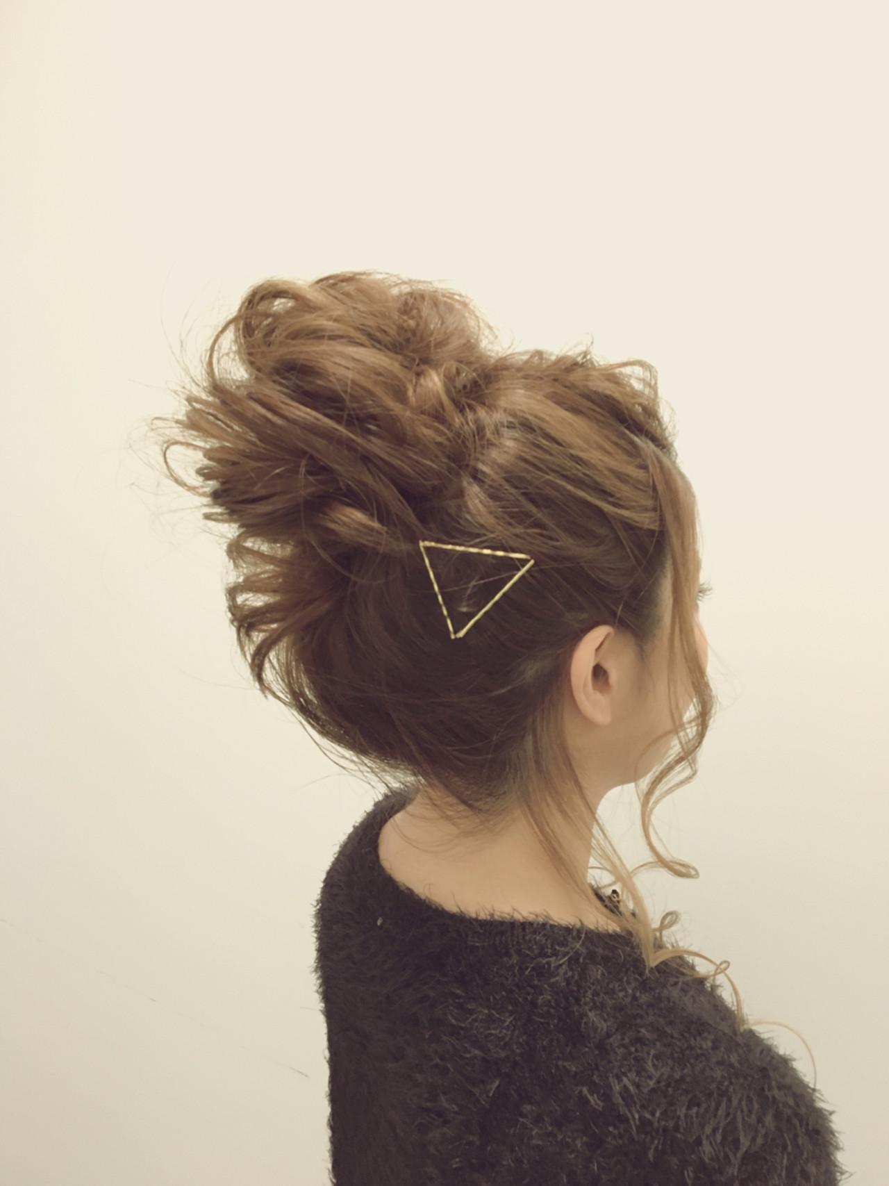 簡単ヘアアレンジ ヘアアレンジ メッシーバン 大人女子 ヘアスタイルや髪型の写真・画像
