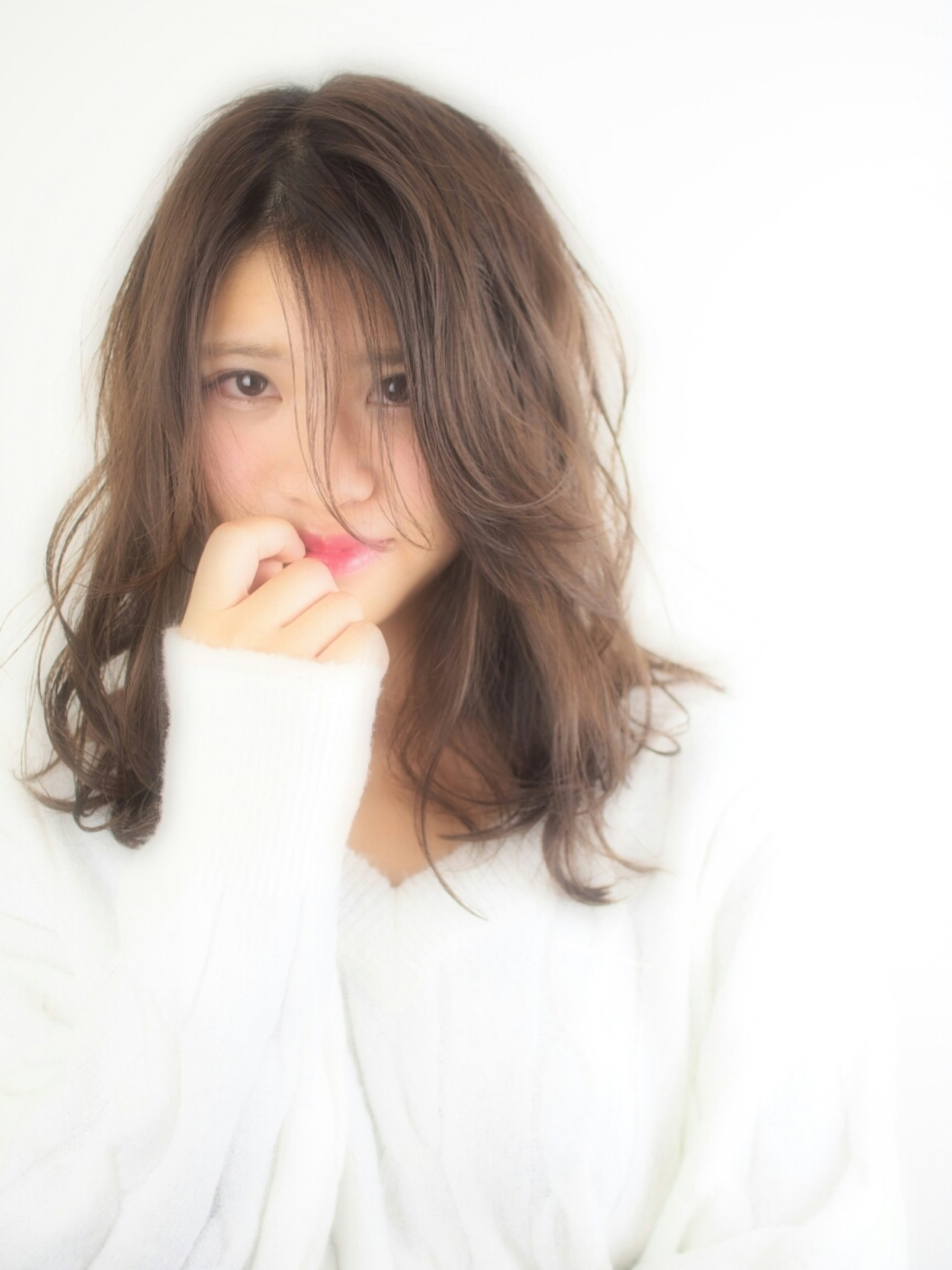 フェミニン ゆるふわ セミロング ブルージュ ヘアスタイルや髪型の写真・画像   百瀬 俊幸 / Coni