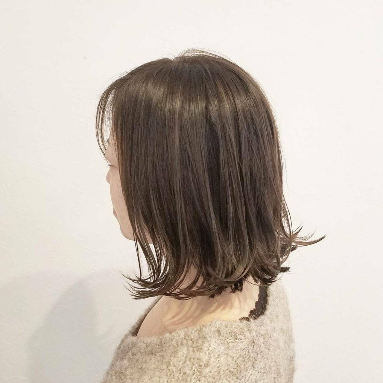 外国人風 ナチュラル ミディアム 外ハネ ヘアスタイルや髪型の写真・画像