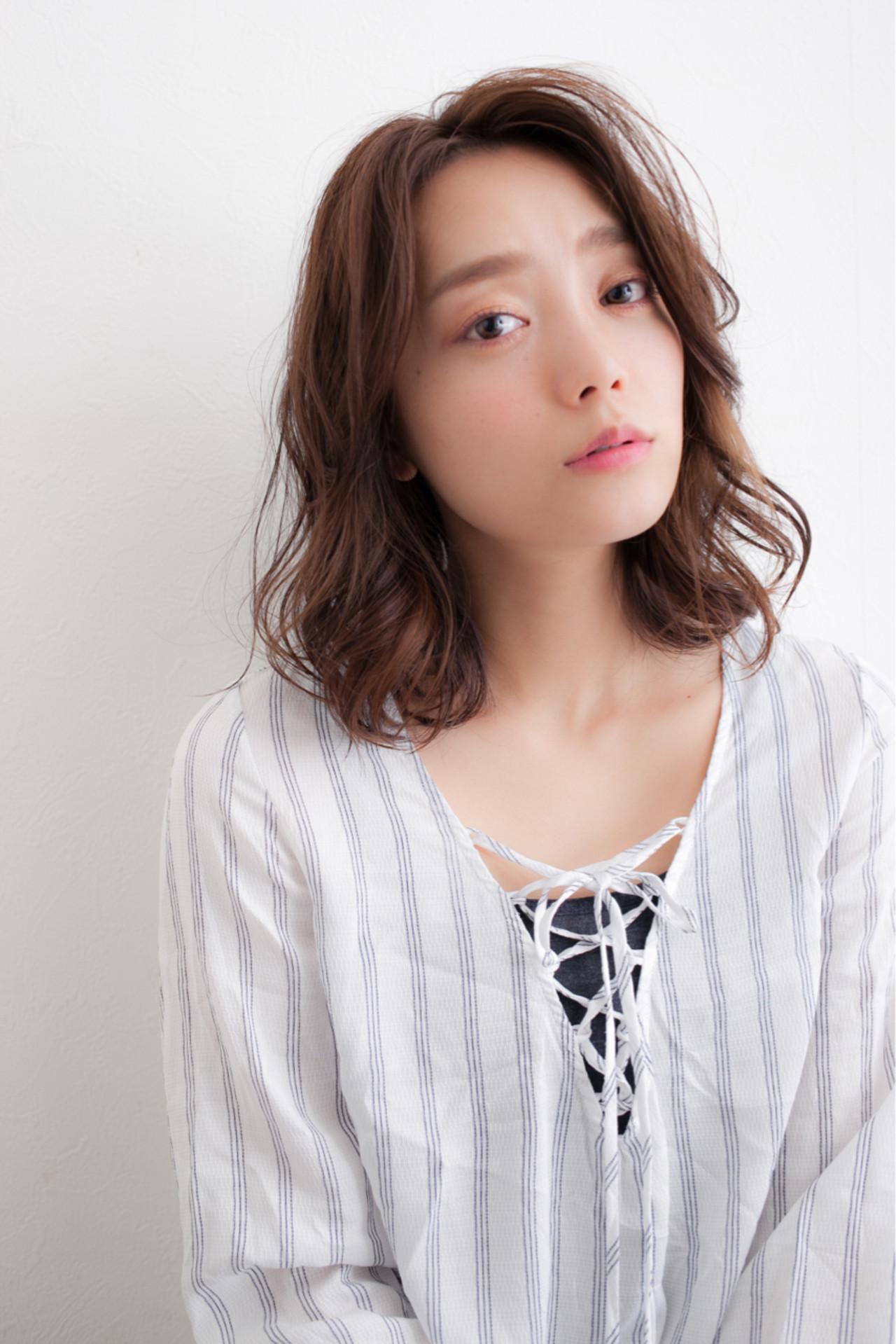 アッシュ 前髪あり ミディアム ゆるふわ ヘアスタイルや髪型の写真・画像 | 高田 紘希 / Rr hair salon