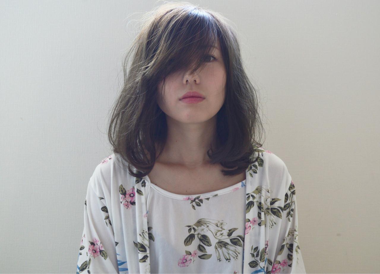 手抜きに見えないゆるさが魅力♡敏腕美容師さんおすすめ最新「抜け感ヘア」 トモユキ