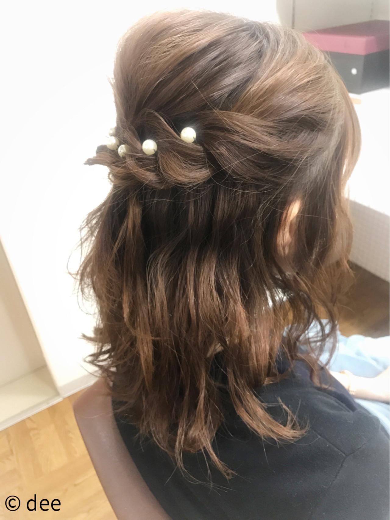 ヘアピン パールアクセ ミディアム ナチュラル ヘアスタイルや髪型の写真・画像