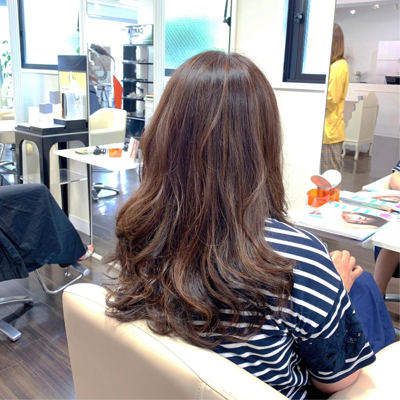 ロング 白髪染め 大人ハイライト 3Dハイライト ヘアスタイルや髪型の写真・画像