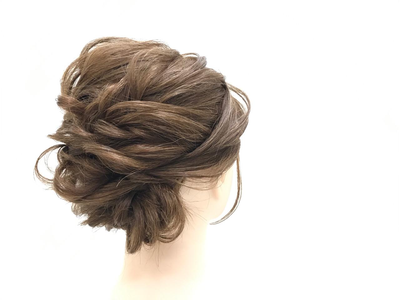 オフィス フェミニン 結婚式 簡単ヘアアレンジ ヘアスタイルや髪型の写真・画像