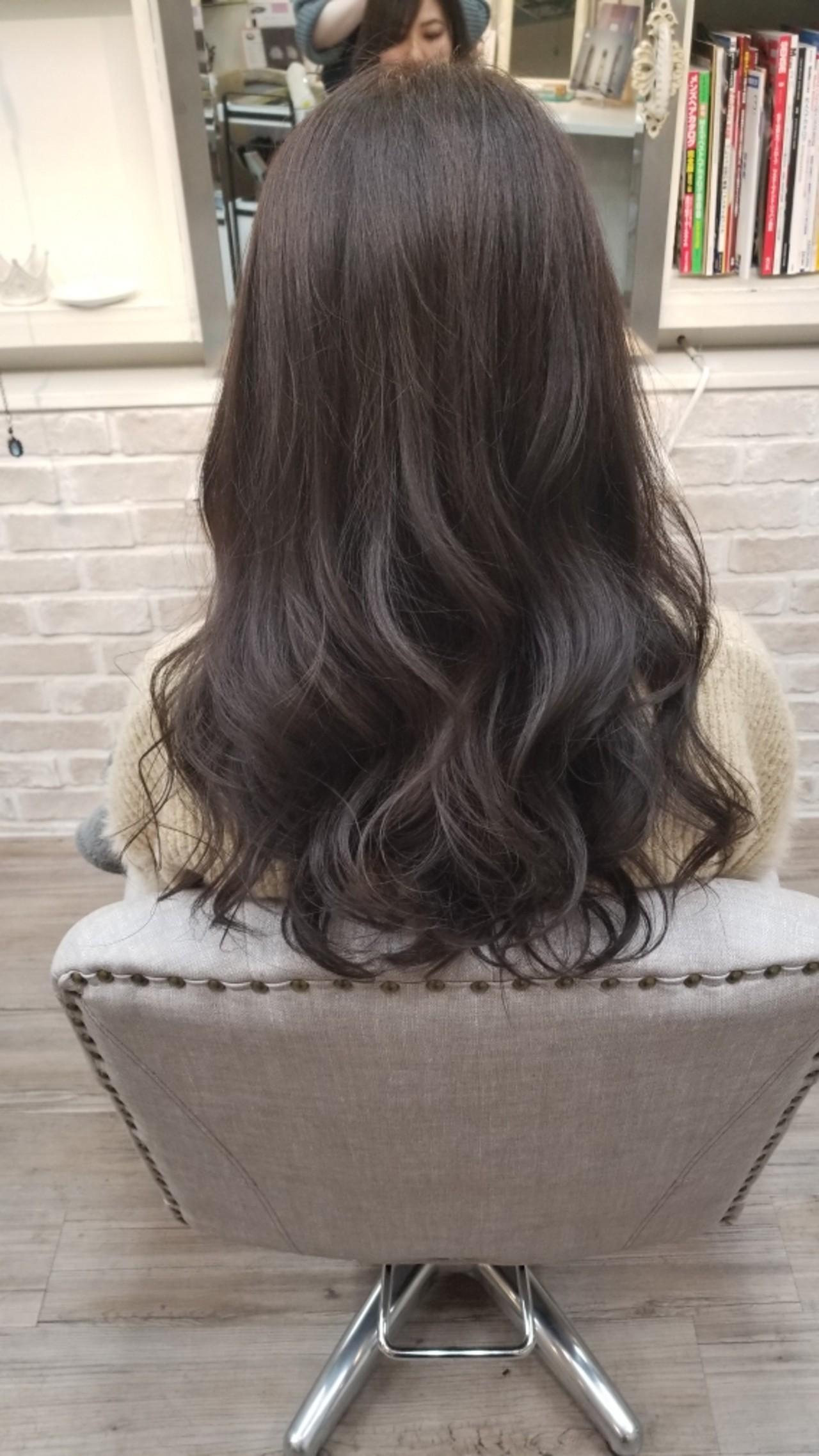 アンニュイ ナチュラル ラベンダーアッシュ グレージュ ヘアスタイルや髪型の写真・画像 | Naoko Miura / avant