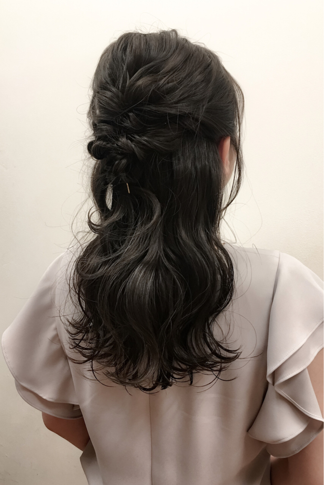 ハーフアップ ヘアアレンジ アップスタイル ロング ヘアスタイルや髪型の写真・画像 | 井手口 倫也 / luve heart's And Be+Eclat