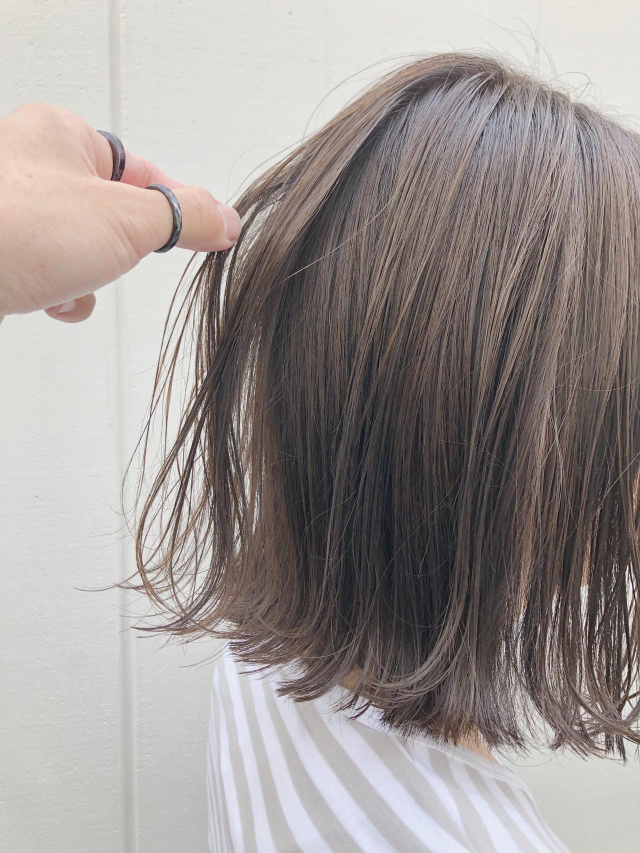 切りっぱなしボブ ナチュラル 透明感カラー カジュアル ヘアスタイルや髪型の写真・画像