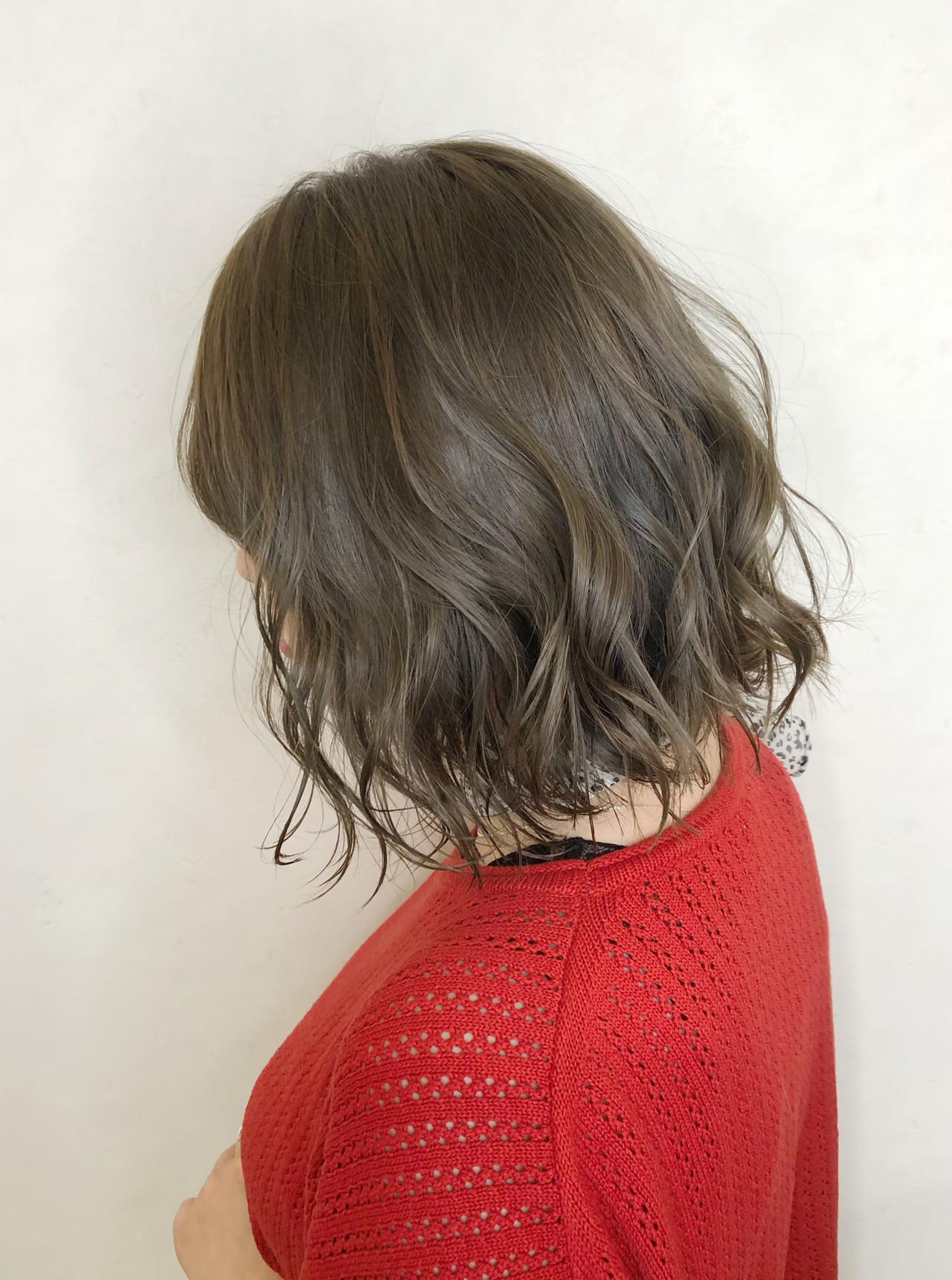 ボブ グレージュ ストリート ミルクティーベージュ ヘアスタイルや髪型の写真・画像