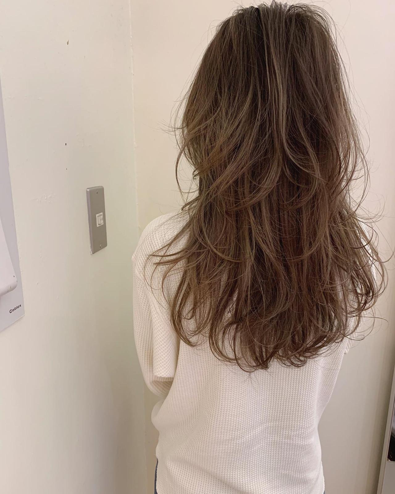 デート マッシュウルフ ロング アンニュイほつれヘア ヘアスタイルや髪型の写真・画像