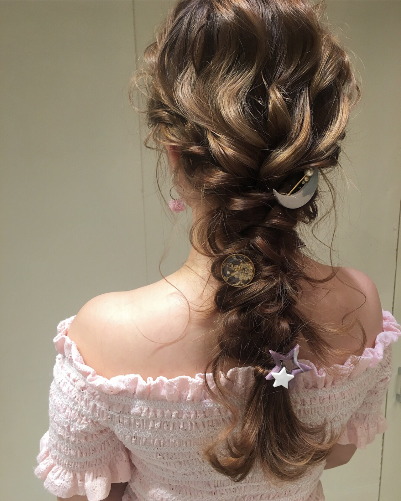 ロング ヘアアレンジ 編み込み ナチュラル ヘアスタイルや髪型の写真・画像 | 平川 元気 / MAPUNA