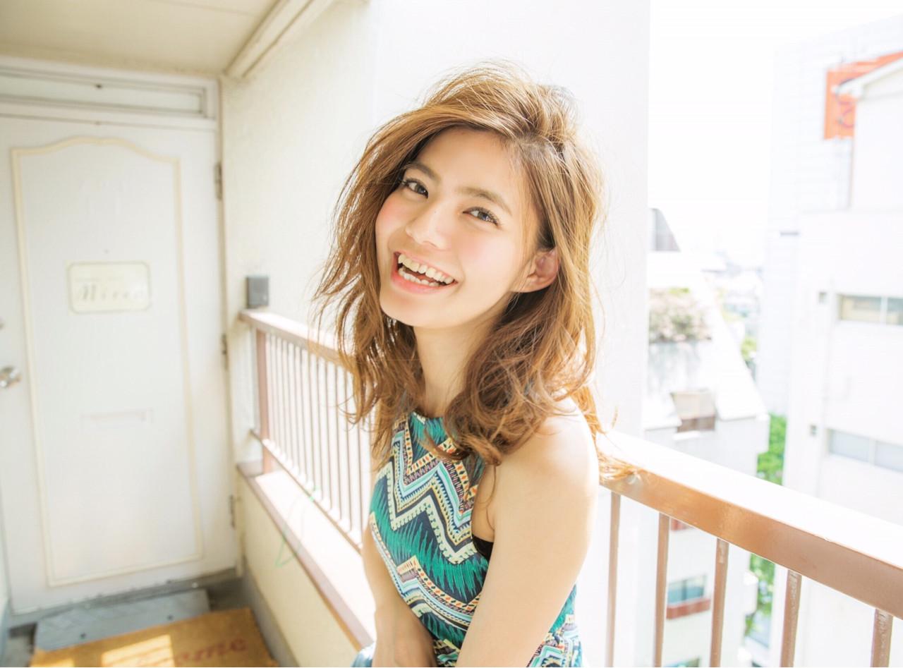 レイヤーカット セミロング 外国人風 アッシュ ヘアスタイルや髪型の写真・画像 | 畑 有里紗 /