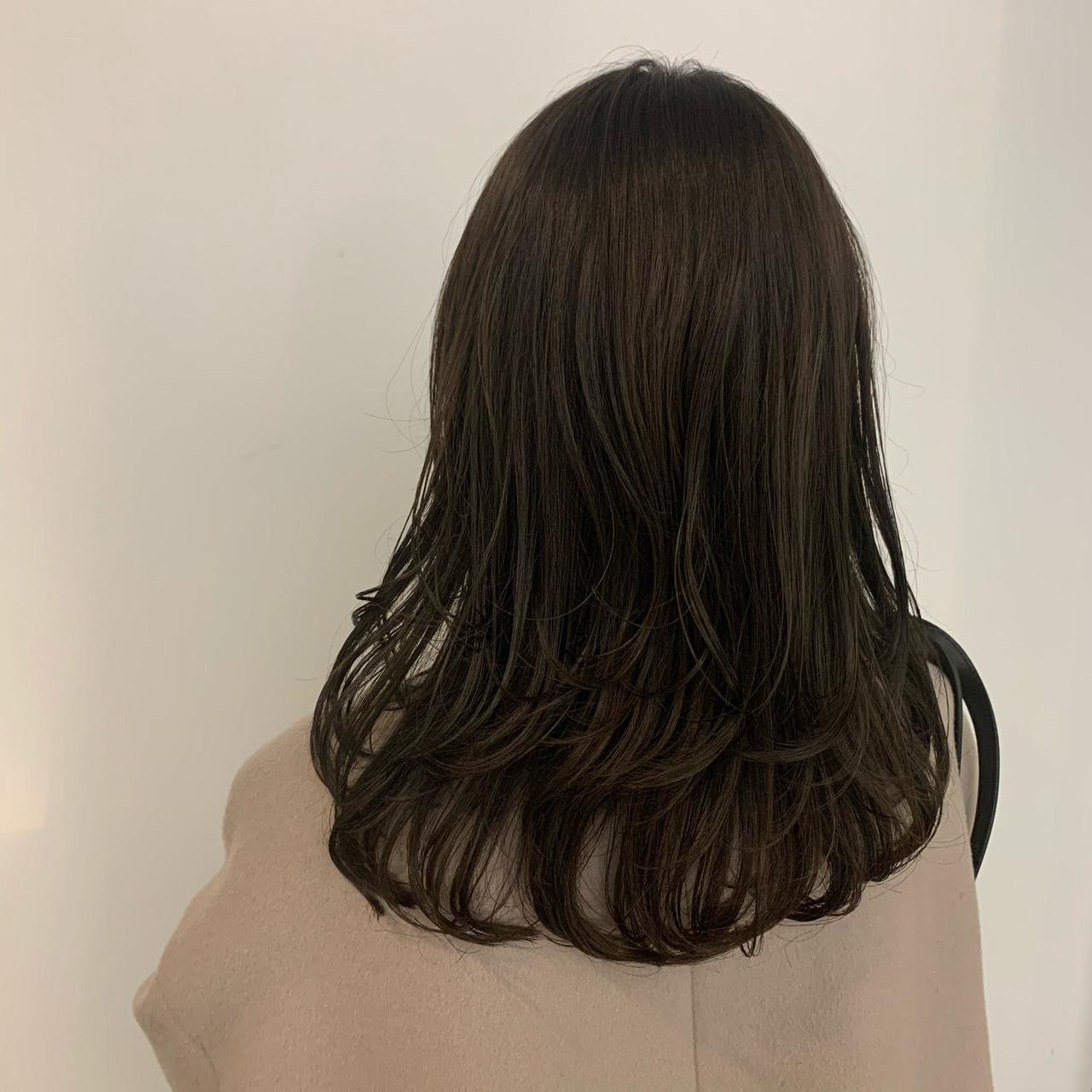透明感カラー レイヤーカット ナチュラル ワンカールスタイリング ヘアスタイルや髪型の写真・画像 | 中村楓 / TONI&GUY青山