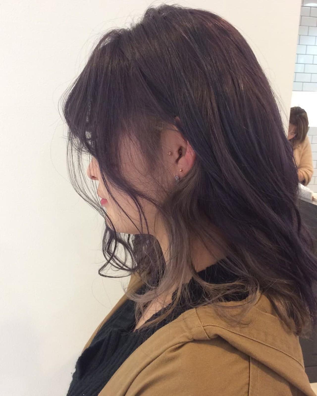 ラベンダーアッシュ ロング モード インナーカラー ヘアスタイルや髪型の写真・画像