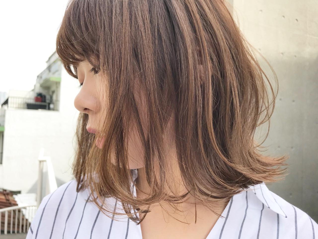 透明感 ロブ ウェーブ アンニュイ ヘアスタイルや髪型の写真・画像