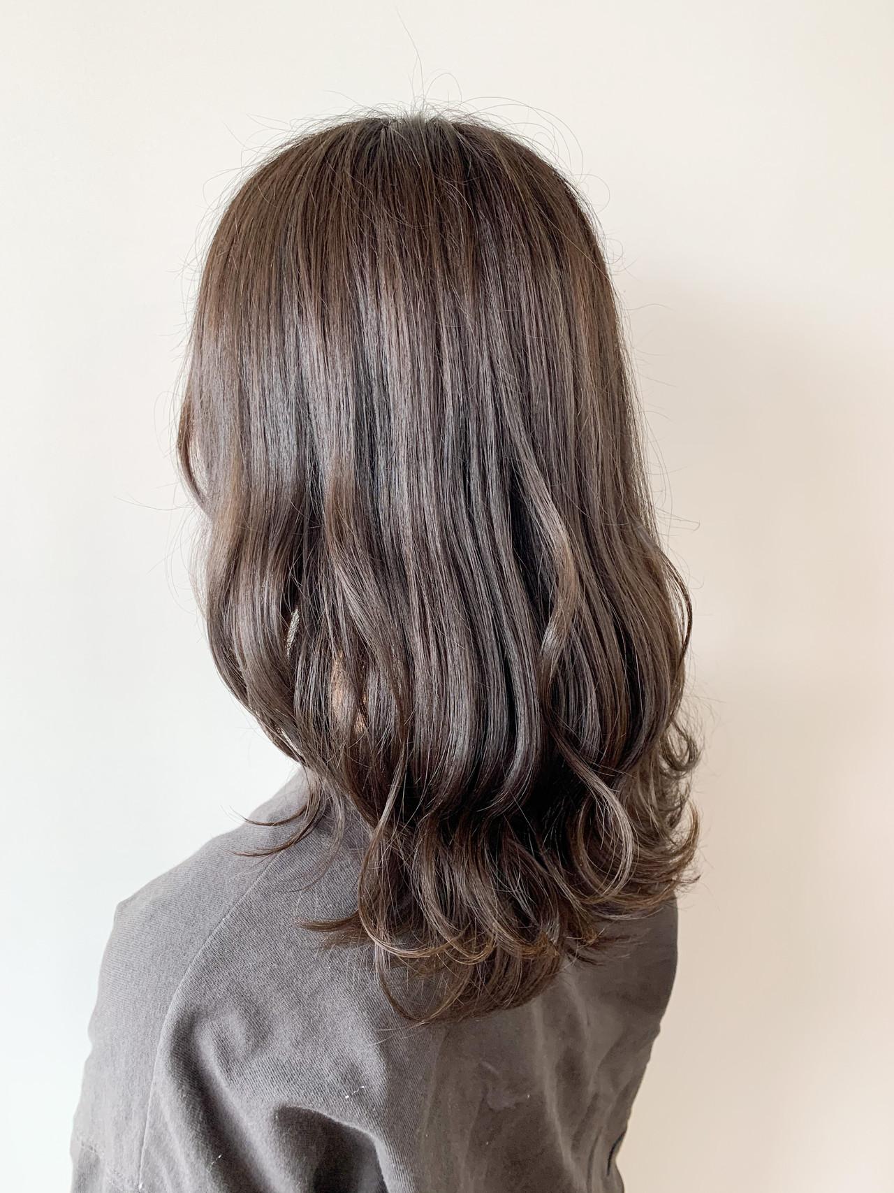 ブルージュ ハイライト アッシュグレージュ ナチュラル ヘアスタイルや髪型の写真・画像 | masaya /  Rold poire