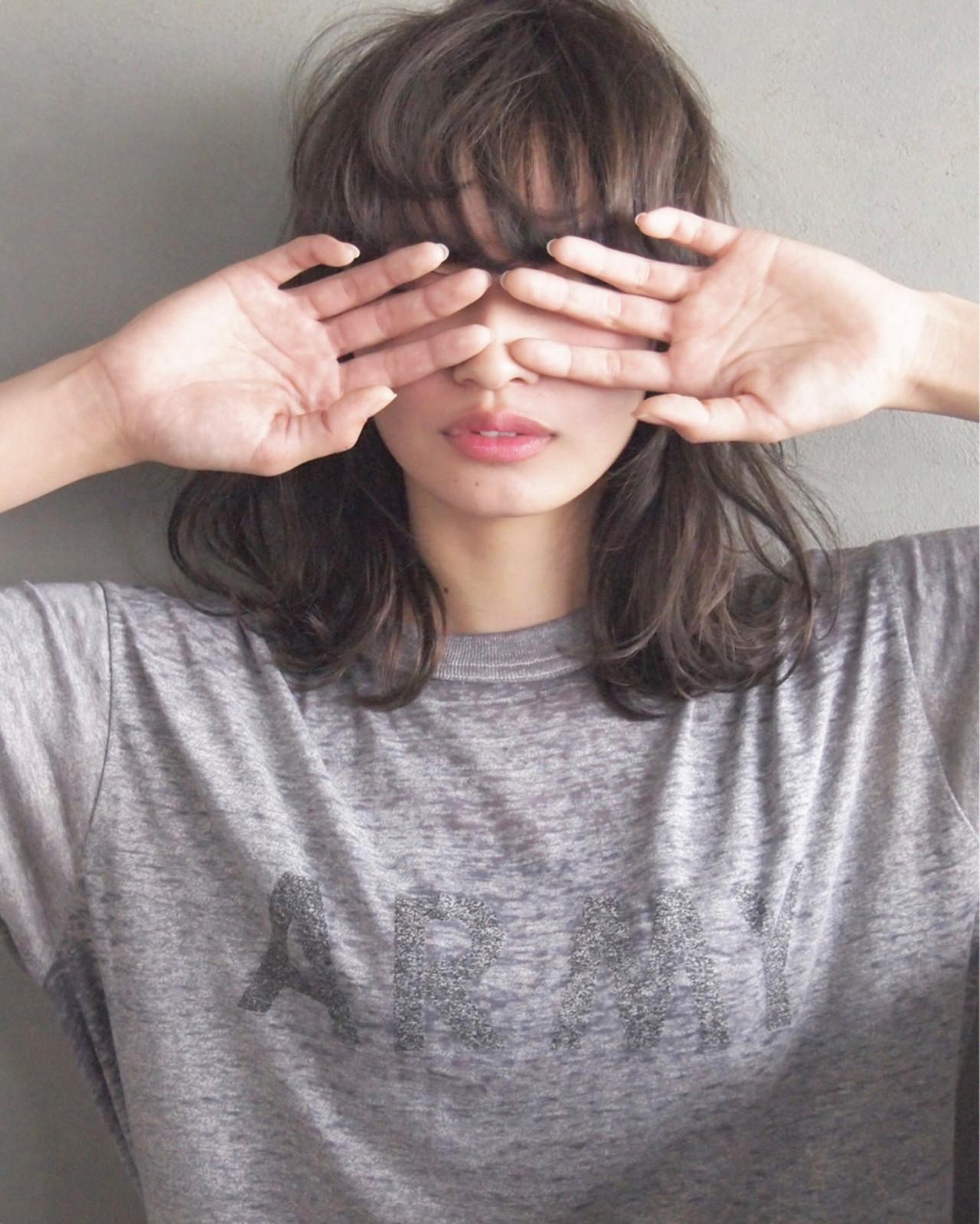 ミディアム アッシュ 黒髪 パーマ ヘアスタイルや髪型の写真・画像 | UEKI/nanuk / nanuk二子玉川
