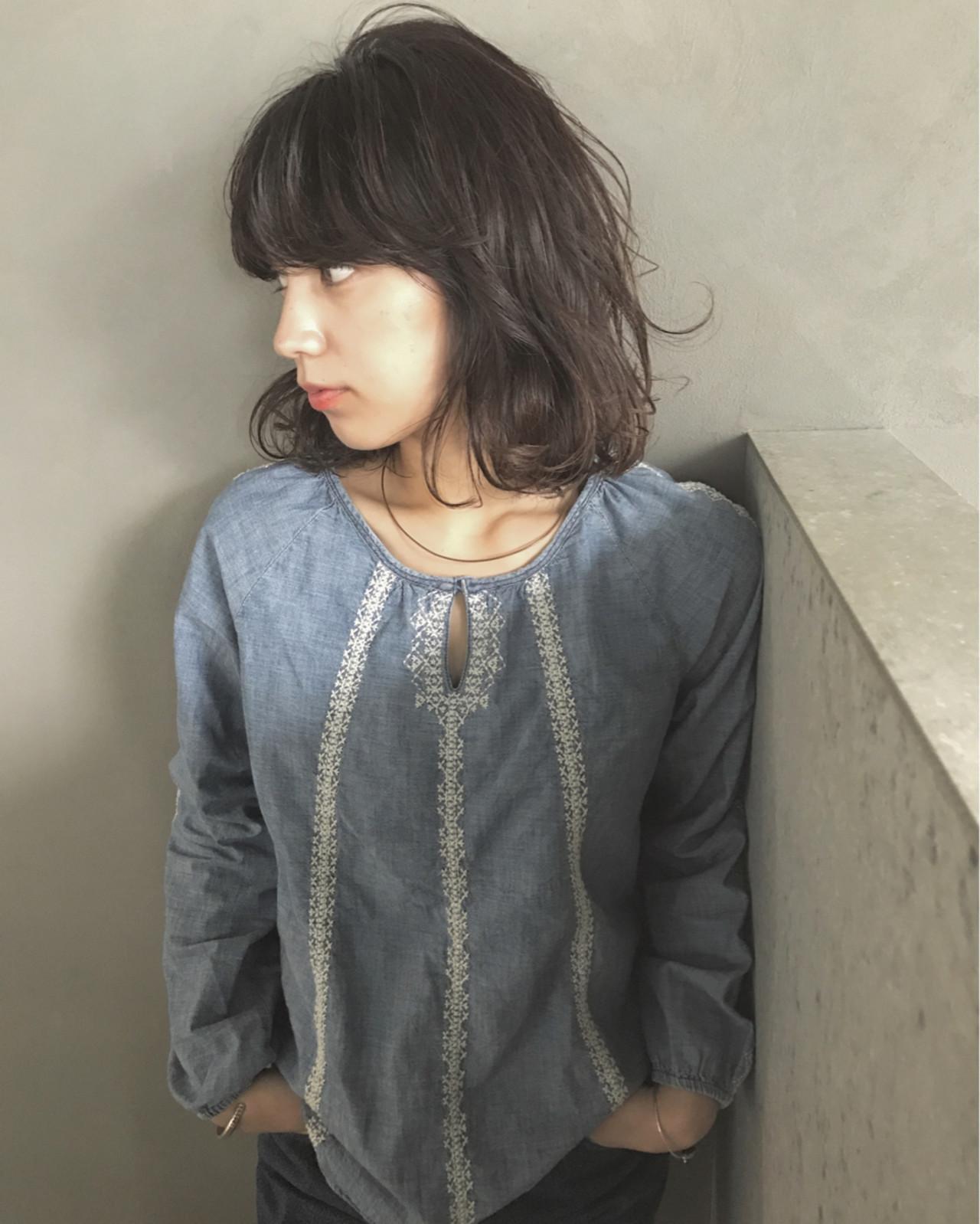 外国人風 暗髪 ミディアム パーマ ヘアスタイルや髪型の写真・画像   UEKI/nanuk / nanuk二子玉川