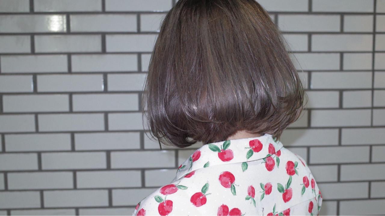 艶髪 ストレート ボブ ブリーチ ヘアスタイルや髪型の写真・画像 | うえもとたく / ash
