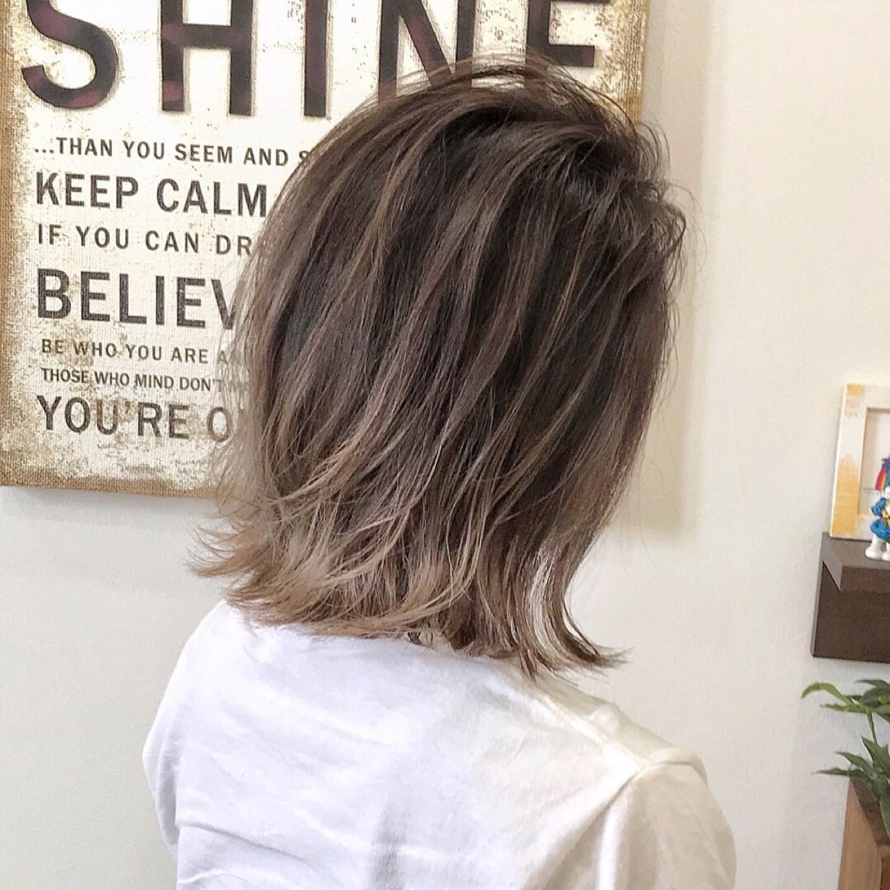 バレイヤージュ 外国人風 ミディアム 外ハネ ヘアスタイルや髪型の写真・画像 | 阪田 育誠 / goem