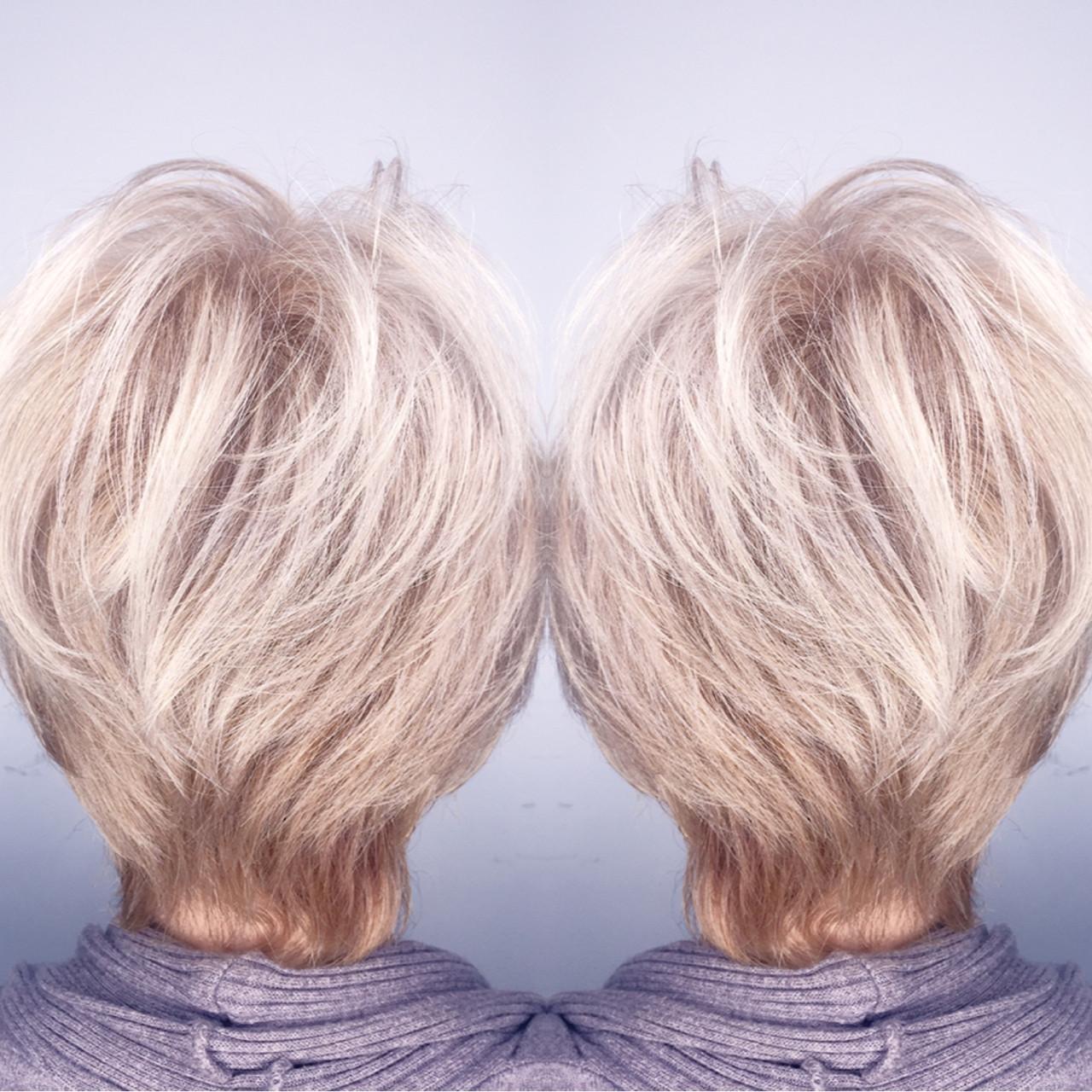 グレージュ 外国人風 モード アッシュ ヘアスタイルや髪型の写真・画像