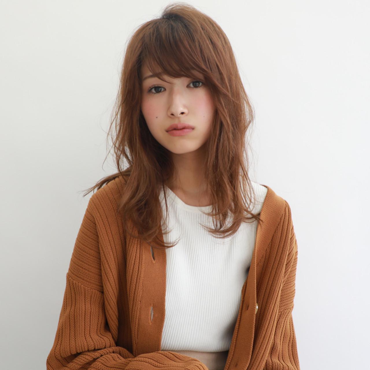 セミロング 大人可愛い ニュアンスヘア ナチュラル ヘアスタイルや髪型の写真・画像 | 櫻木裕紀 / Agnos青山