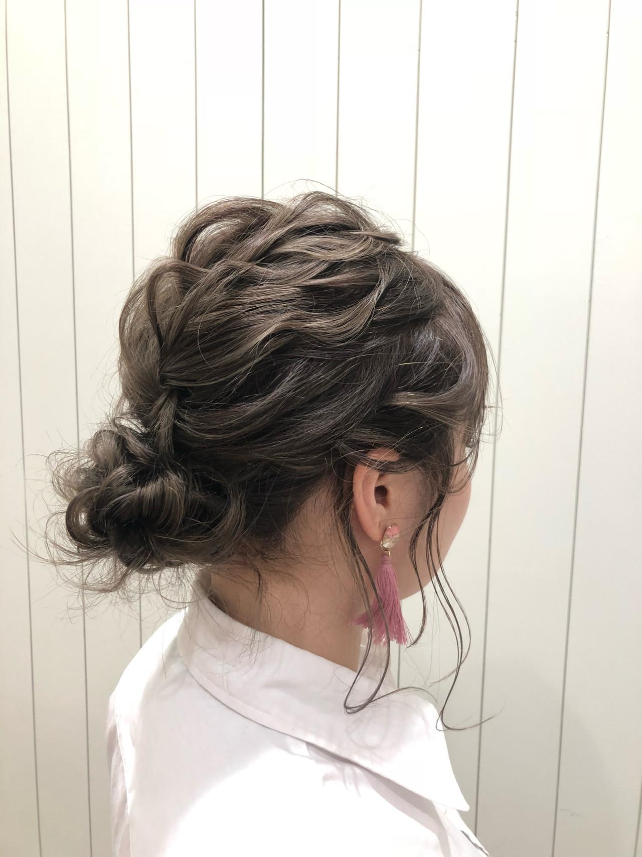 セミロング 簡単ヘアアレンジ 結婚式 デート ヘアスタイルや髪型の写真・画像 | 久保 奏実 / モリオフロムロンドン大宮店