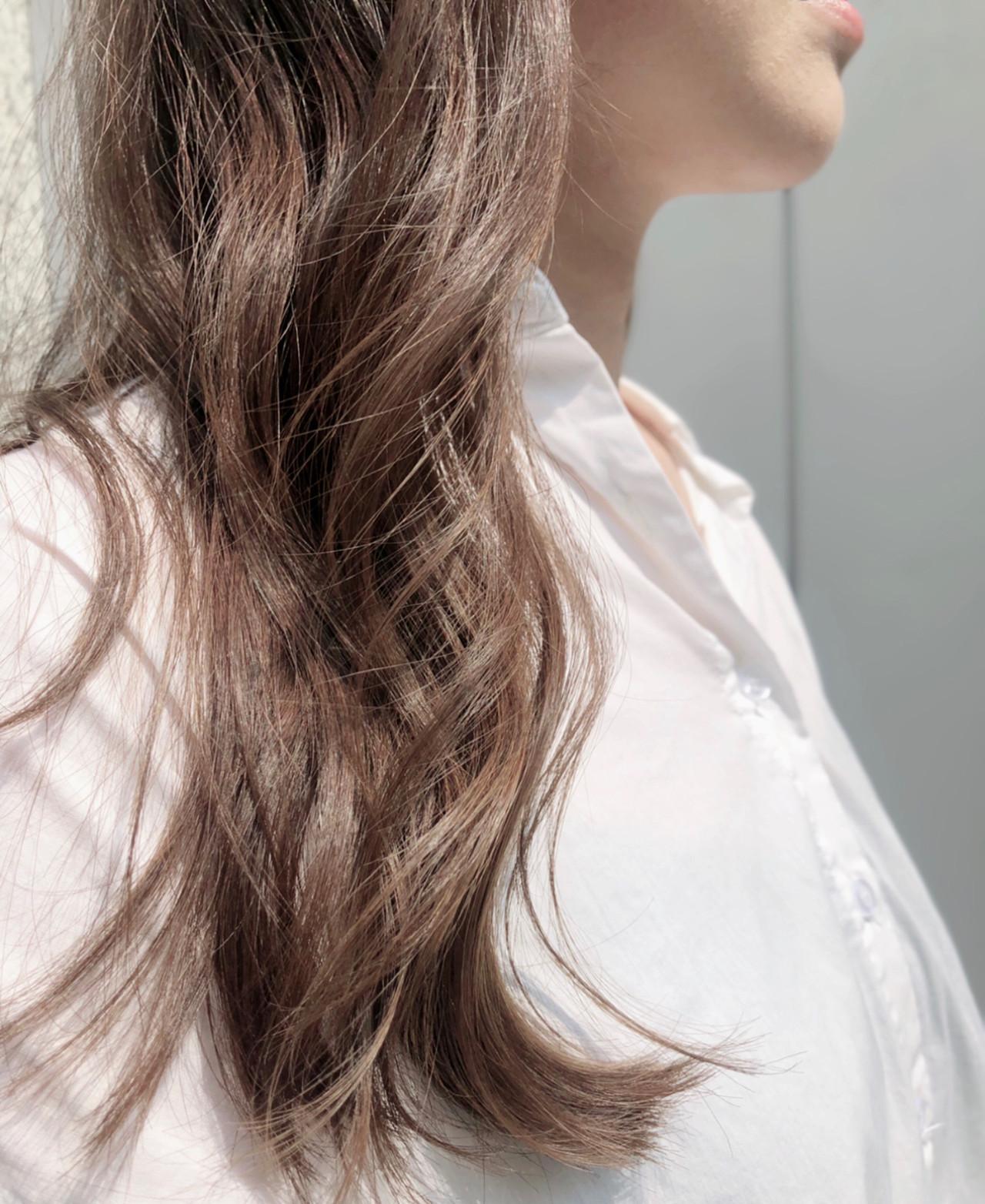 透明感カラー アッシュベージュ ナチュラル ラベンダーアッシュ ヘアスタイルや髪型の写真・画像   勝又理恵 / atacca